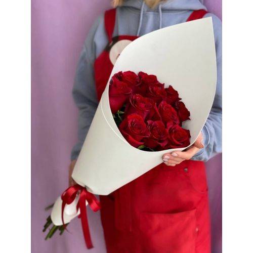 Купить на заказ Букет из 11 красных роз с доставкой в Рудном