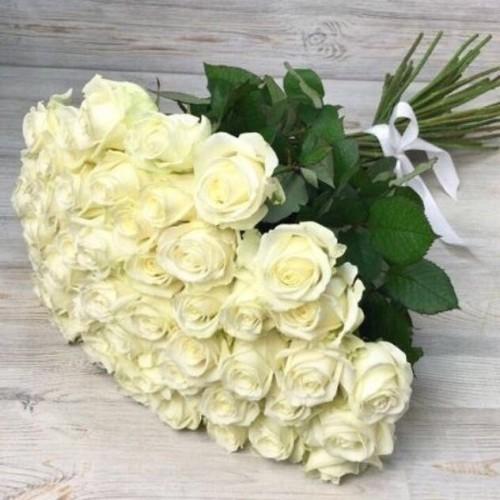 Купить на заказ Заказать Букет из 51 белой розы с доставкой по Рудному с доставкой в Рудном